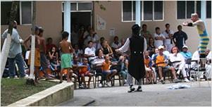 Início do projeto Plateias Hospitalares, no Rio de Janeiro, com sete hospitais públicos do Estado